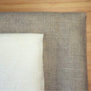 Toiles de lin de couleur blanche et ficelle
